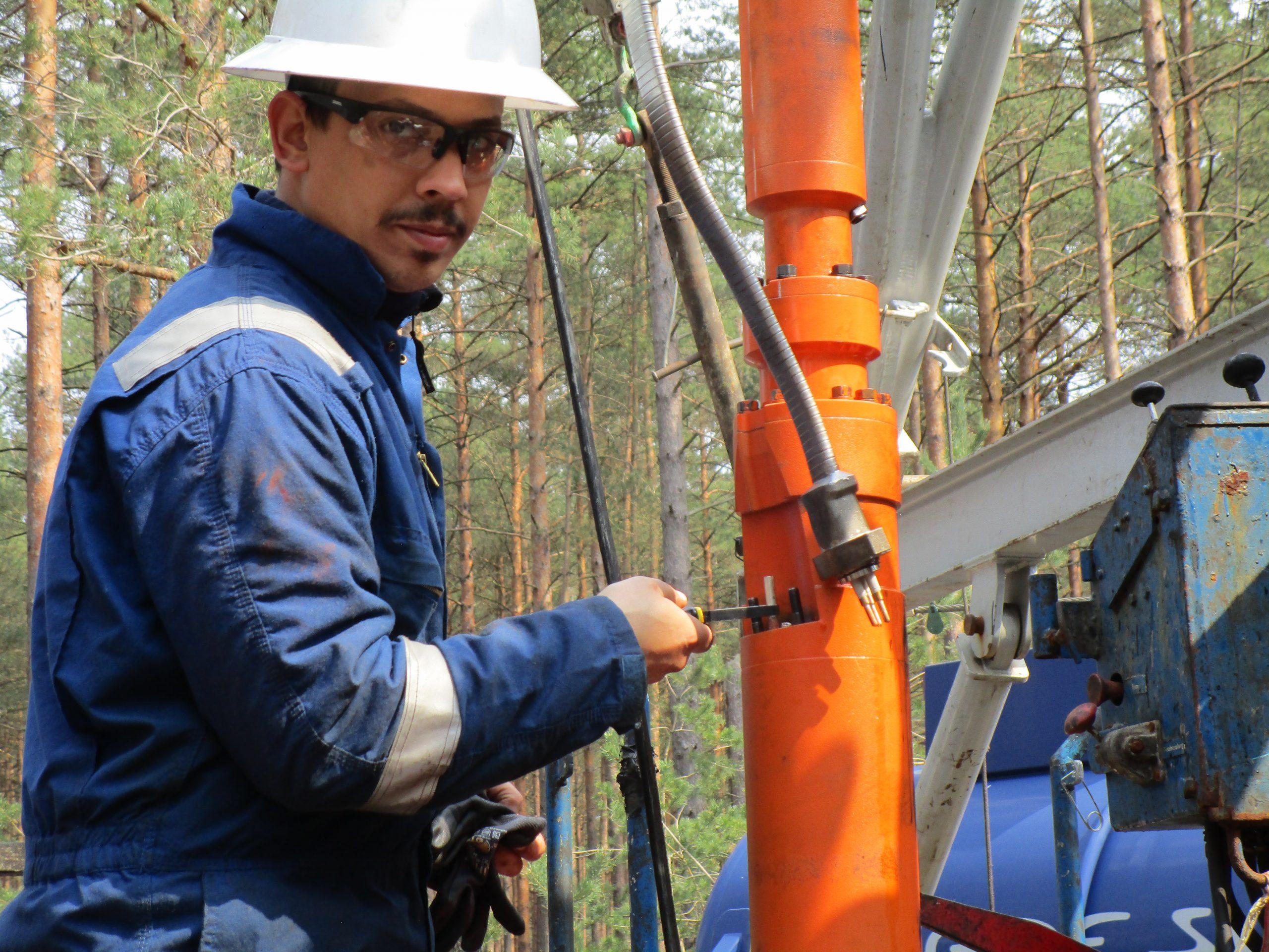 Oil Dynamics Field Service worker